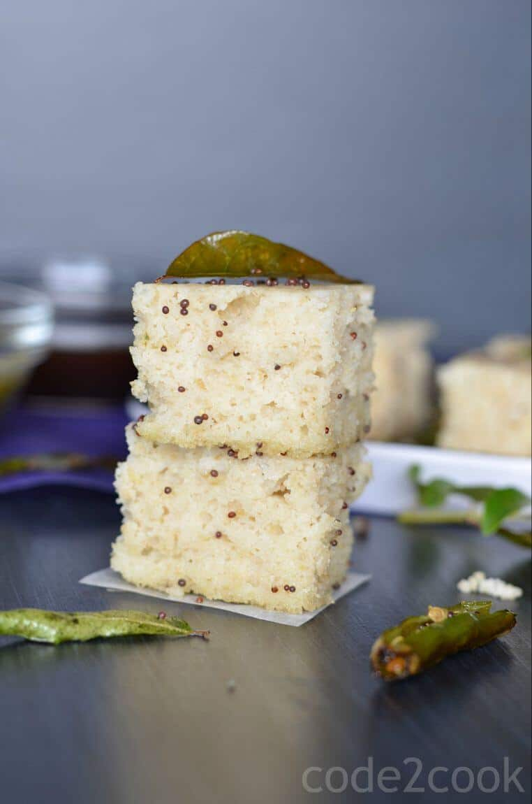 Oats dhokla is the instant dhokla recipe with oats flour, semolina and curd in equal portions, which is a savory and steamed snack or a great breakfast or a great meal in itself. Seasoned with mustard seeds, curry leaves and green chilies this oats dhokla is a perfect guilt-free food toconsume.