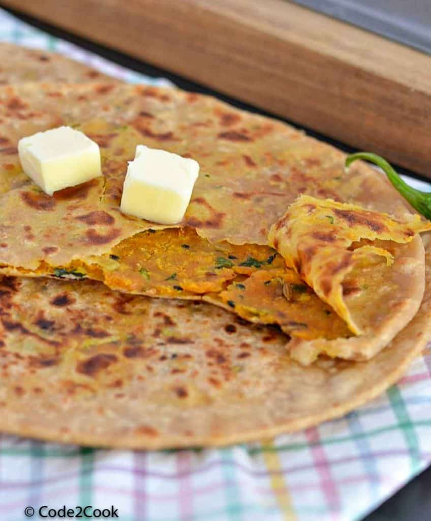 masala paratha showing stuffing from inside
